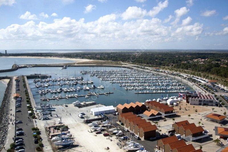 Se divertir dans le m doc agenda puces nautiques - Office de tourisme le verdon sur mer ...